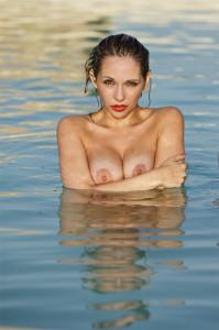 Inclusive _xxx5938 nicole in pool