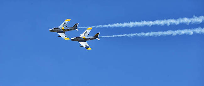 Air show planes in flight images from photographer Mark Laurie of Calgary, Alberta, Canada